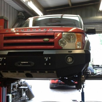 D4 Winch Bumper with aperture and towing eyes